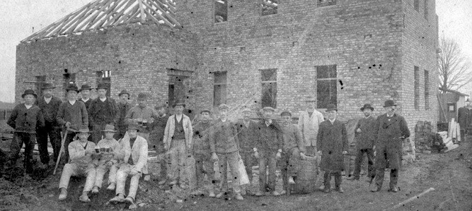 1913 - Bau des Vereinshauses